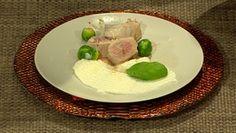 Bravčová panenka v parmezánovej kruste, karfiolové pyré, blanšírovaný ruzičkovy kel na masle