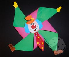 Carnival chores for children Pinwheel clown - Handenarbeid - Clown Basteln - taktak decor Clown Crafts, Circus Crafts, Carnival Crafts, Creative Crafts, Diy And Crafts, Arts And Crafts, Paper Crafts, Preschool Crafts, Kids Crafts