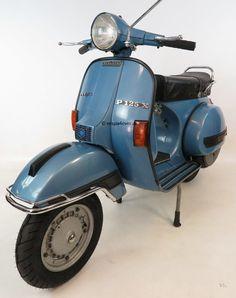 Vespa PX vintage scooter in rare original condition and paint / colour. Blue / Blau