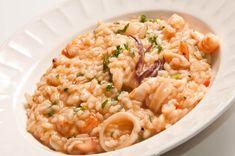 Esta receta de risotto de mariscos puede ser lo que necesitas para conquistar el corazón de esa persona que te gusta. Es una delicia de plato.