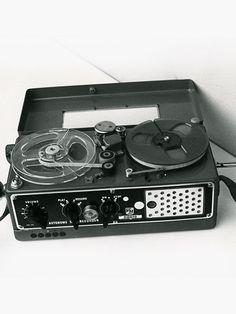 Nagra II -  - www.remix-numerisation.fr - Rendez vos souvenirs durables ! - Sauvegarde - Transfert - Copie - Digitalisation - Restauration de bande magnétique Audio - MiniDisc - Cassette Audio et Cassette VHS - VHSC - SVHSC - Video8 - Hi8 - Digital8 - MiniDv - Laserdisc - Bobine fil d'acier - Micro-cassette - Digitalisation audio - Elcaset
