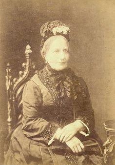 """""""Imperatriz Teresa Cristina de Bourbon e Duas Sicílias"""" (em 1887). (by Lucien Walery)."""