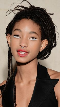Discover recipes, home ideas, style inspiration and other ideas to try. Willow Smith, Beauty Makeup, Eye Makeup, Hair Makeup, Hair Beauty, Pretty People, Beautiful People, Aesthetic People, Creative Makeup