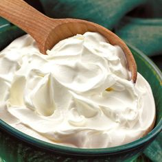 Home Made Cream Cheese, Make Cream Cheese, How To Make Cheese, Real Food Recipes, Cake Recipes, Cooking Recipes, Cheese Maker, Chocolate Raspberry Cake, Queso Cheese