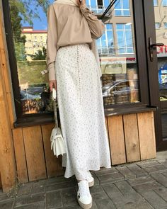 Modest Outfits Muslim, Modest Fashion Hijab, Modern Hijab Fashion, Street Hijab Fashion, Modesty Fashion, Hijab Fashion Inspiration, Muslim Fashion, Look Fashion, Fashion Outfits