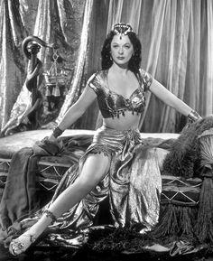 ladylikelady:  Hedy Lamarr- c.1949