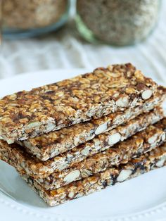 Quick and Easy Homemade Granola Bars.