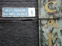 bilingual street sign Dublin