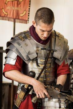 Pemberley Dreams Ancient Rome, Ancient History, Roman Armor, Roman Centurion, Roman Warriors, Roman Legion, Greek Warrior, Armadura Medieval, Roman Soldiers