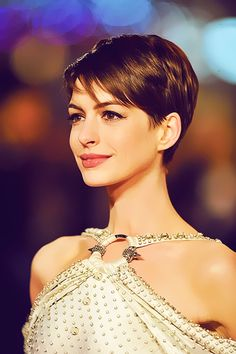 Anne Hathaway sporting a pixie cut.
