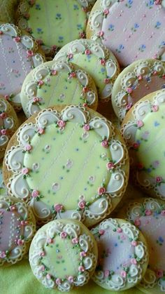 Chic Flower Cookies