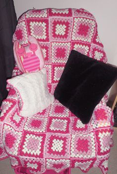 #blanket #diy #crocheting #knitting #diy #pink