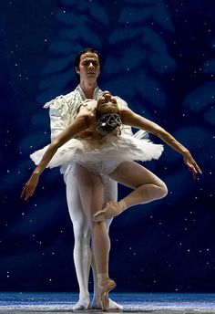 The Nutcracker. Snow pas de deux.