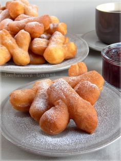 Hungarian Cake, Pretzel Bites, Donuts, Bacon, Bread, Food, Gastronomia, Frost Donuts, Beignets