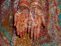 The wonderfully decorated hands