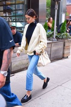 Selena Gomez seen out in for lunch in SoHo on September 29 2017 in New York City