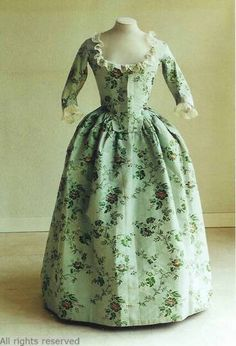 gown 1770-1780, Mode Museum, Netherlands