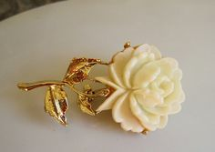 F aux White Coral Rose Flower Gold Tone Pin Brooch Vintage 1980s