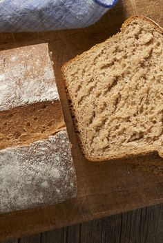 A whole-grain sourdough loaf made with spelt flour and accented with honey. Spelt Recipes, Sourdough Recipes, Loaf Recipes, Bread Machine Recipes, Starter Recipes, Honey Recipes, Spelt Sourdough Bread, Baking Cookbooks, Tea Time