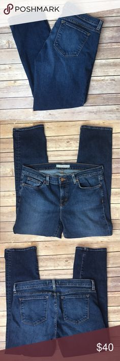 "J Brand Crop Ankle Skinny 7/8 Vivid Low Rise Jeans J Brand 7/8 Cropped Jeans in Vivid Size 31. Inseam 27"" Outseam 35"" Rise 9"" Waist 32"" Leg Opening 12"" Great used condition. Normal wear, no major flaws. MSRP $198 All measurements are approximate. Smoke free home. J Brand Jeans Skinny"