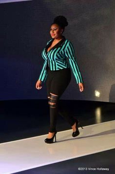 Curvy fashion Pretty Nice curves ! Bbw fashion.  Big beautiful woman . Gorgeous and full of character . Confidence.