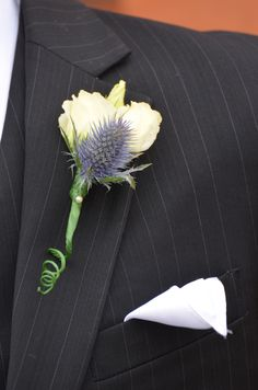 Groomsmen's button hole from Bouquet Chic Flowers