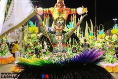 Carnaval de Rio Toutes les photos sur www.carnaval-de-rio.fr Samba, Rio Carnival, Photos Du, Belle Photo, Fair Grounds, Beauty, Painted Canvas