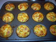 """Breakfast egg """"omelet"""" muffins recipe ~ Quirky Cookery - I love the idea of making these ahead and freezing them for quick breakfast. Low Calorie Breakfast, Breakfast Dishes, Breakfast Recipes, Breakfast Muffins, Breakfast Casserole, Mini Egg Muffins, Low Calorie Muffins, Breakfast Omelette, No Calorie Foods"""