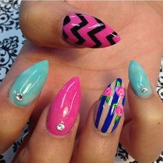 If you want to try something new, something interesting for your nails then is time to try pointed nails. Pointed nails are very popular with the Cute Nail Art, Beautiful Nail Art, Gorgeous Nails, Pretty Nails, Beautiful Gorgeous, Pointed Nails, Stiletto Nails, Square Nail Designs, Nail Art Designs