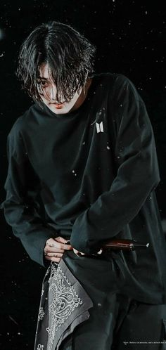 He lowkey looks like a psychopath in this pic. Somehow, it's quite fascinating to me Busan, Bts Jungkook, Foto Bts, Taekook, Bts K Pop, Jeongguk Jeon, V Bts Wallpaper, Korea, Bts Aesthetic Pictures