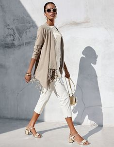 Best Clothing Styles For Women Over 50 - Fashion Trends Boho Fashion Summer, Spring Fashion, Over 50 Womens Fashion, Fashion Over 50, Fashion Looks, Fall Outfits, Casual Outfits, Fashion Outfits, Fashion Trends