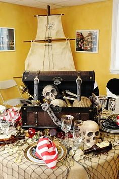 pirate party table for talk like a pirate day dinner next year! Deco Pirate, Pirate Decor, Pirate Theme, Pirate Day, Pirate Party Decorations, Pirate Halloween, Fete Halloween, Pirate Party Tables, Table Party