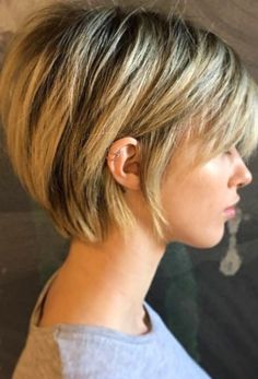 Short Hair Cuts For Round Faces, Short Hairstyles For Thick Hair, Round Face Haircuts, Haircut For Thick Hair, Short Hair With Layers, Hairstyles For Round Faces, Cool Hairstyles, Pixie Haircuts, Popular Short Hairstyles