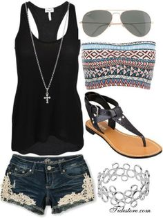 this is perfect for like an outdoor concert <3 however i would switch shoes to not get stepped on like at warped tour