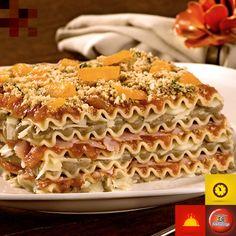 lasanha de creme de lentilha com farofa de biscoito e damasco