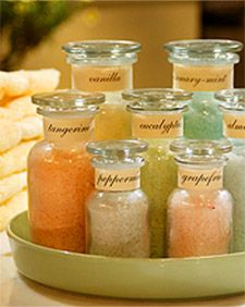Easy home made bath salts recipe.  Great gift idea, too!