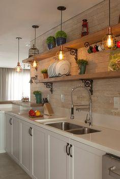 Home Kitchens, Rustic Kitchen, Kitchen Remodel Small, Small Kitchen Design Apartment, Kitchen Inspirations, Home Decor Kitchen, Kitchen Room Design, Kitchen Interior, Eclectic Kitchen