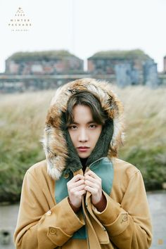 Uploaded by 𝐺𝑜𝑙𝑑𝑒𝑛 𝐼𝑑𝑜𝑙 ❄️☃️. Find images and videos about kpop, bts and jungkook on We Heart It - the app to get lost in what you love. Seokjin, Namjoon, Gwangju, Foto Bts, Bts Photo, Jung Hoseok, J Hope Selca, Bts J Hope, Taehyung
