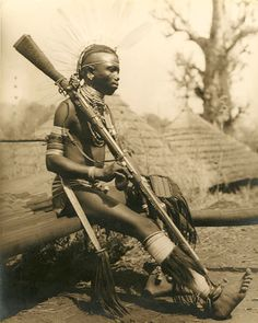 Anonymous (British), ca. 1930 African Tribesman with Flintlock Rifle African Culture, African History, Male Stories, Old Warrior, Africa People, Arte Tribal, Art En Ligne, Art Africain, African Tribes