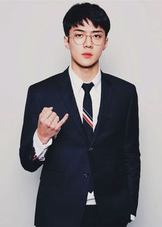 I'm imagining him as a teacher on those clothes, oh gosh he's totally a teacher I'd like to fuck!! 오세훈 Sehun
