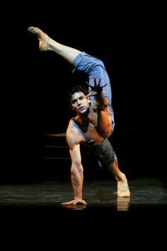 df5a91557001 emeritusblog: Roberto Bolle La Scala BalletCorpo di Ballo del Teatro alla  Scala Kings of DanceКороли · Dance ...
