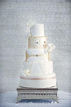 Modern & glamorous wedding ideas