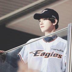 ♛baekhyun baseball exo ♕