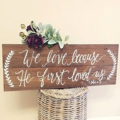 Pretty wooden wedding sign :) #thepaperwalrus #weddingsign #calligraphy #woodsignage #rusticwedding