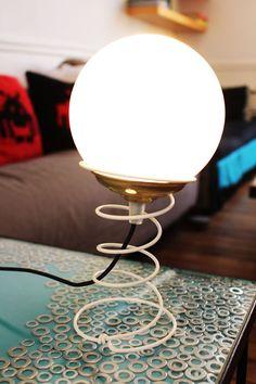 Lampe ressort | Après tout… Design en Bretagne