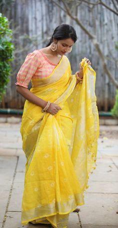 New Saree Blouse Designs, Blouse Designs Catalogue, Simple Blouse Designs, Stylish Blouse Design, Bridal Blouse Designs, Designer Blouse Patterns, Kurta Designs Women, Fashion Blouses, Fashion Dresses