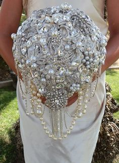 CASCADING BROOCH BOUQUET Deposit  for a by Elegantweddingdecor, $200.00