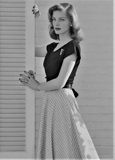 Take me home, where my dreams are made of gold — gatabella: Lauren Bacall, Old Hollywood Glamour, Hollywood Actor, Golden Age Of Hollywood, Vintage Hollywood, Hollywood Actresses, Classic Hollywood, Hollywood Photo, Bogie And Bacall, Lauren Bacall