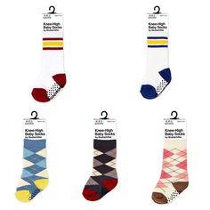 ใหม่ ถุงเท้า Mustachifier BabySock แบรนด์สุดฮิตจากอเมริกา ☑️ผ้า cotton 80% ถุงเท้าทรงสูงแบบ knee sock ☑️ไซส์0-12เดือน ☑️Elastic อย่างดีไม่ต้องกลัวย้วย ☑️ใช้กับเครื่องซักผ้าได้ ☑️พื้นถุงเท้ามีปุ่มกันลื่น ราคาชิ้นละ 290 บาท / 3 ชิ้น 790 บาท มีให้เลือกมี 2 รุ่น ☑️KNEE HIGH 80's style Baby Sock Set 2 คู่มีสีแดงและสีน้ำเงิน ☑️KNEE HIGH Argyle Baby Sock set 3 คู่ ชมพู/ดำ/ฟ้า ค่าส่ง ลทบ 30/ ems 50 สนใจ Line ID: meemeo69