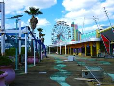 Travelettes » Six Flags: Louisiana's ghost town